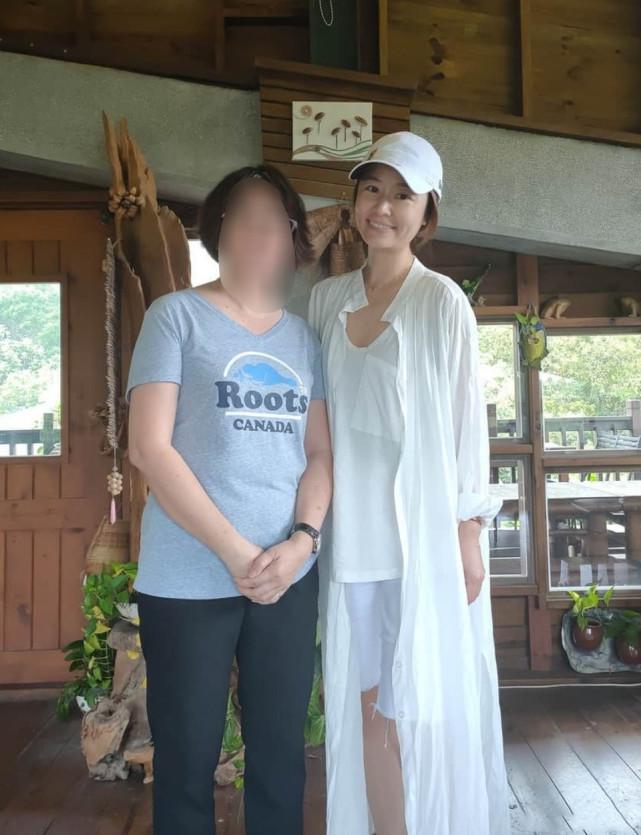 """Khoe khoảnh khắc đi du lịch cùng Hoắc Kiến Hoa nhưng Lâm Tâm Như lại bị """"soi"""" gương mặt nhợt nhạt - Ảnh 1"""
