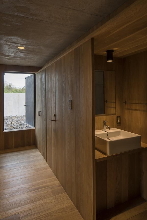 Bất ngờ nội thất tối giản, tinh tế trong căn hộ bê tông - Ảnh 10