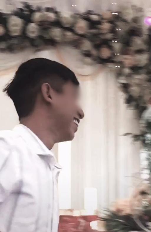 Cô dâu 'số nhọ': Chưa kịp vui vì có bạn lên mừng cưới đã đứng tim khi thấy nam thanh niên ôm chú rể hôn thắm thiết! - Ảnh 4