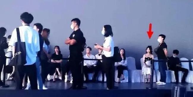 Dương Mịch - Đường Yên phớt lờ nhau tại sự kiện, fan 'đào mộ' loạt khoảnh khắc cặp bạn thân từng 'gây sốt' trong quá khứ - Ảnh 2