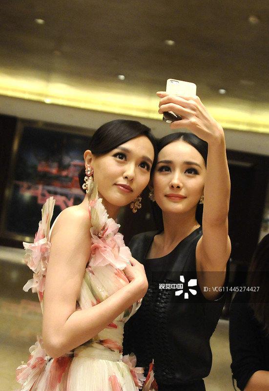 Dương Mịch - Đường Yên phớt lờ nhau tại sự kiện, fan 'đào mộ' loạt khoảnh khắc cặp bạn thân từng 'gây sốt' trong quá khứ - Ảnh 3