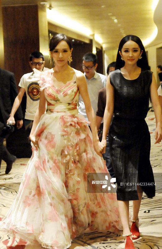 Dương Mịch - Đường Yên phớt lờ nhau tại sự kiện, fan 'đào mộ' loạt khoảnh khắc cặp bạn thân từng 'gây sốt' trong quá khứ - Ảnh 5