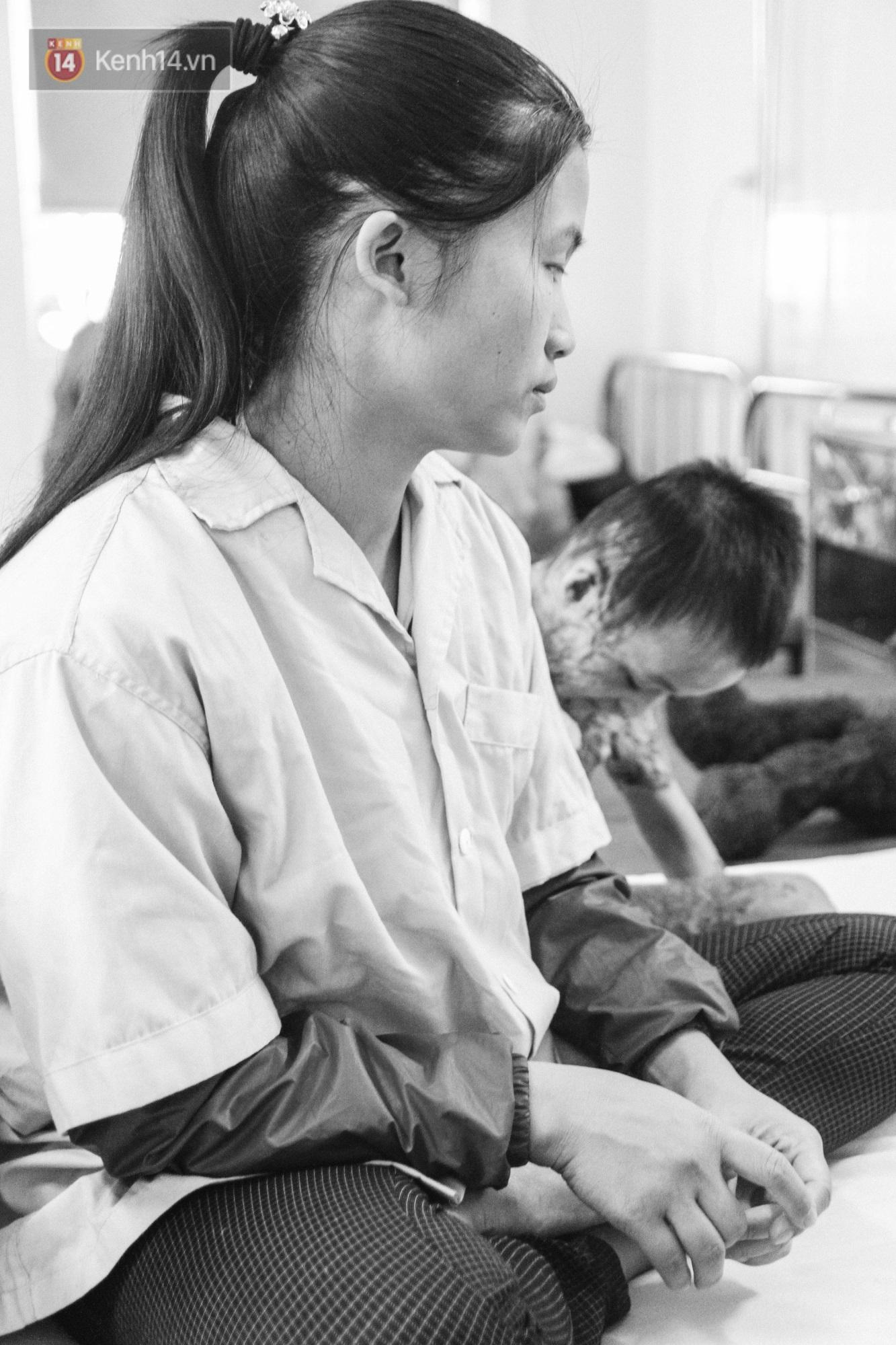 Xót xa những vết bỏng đau đớn trên người bé trai 6 tuổi: Ngày con phải cưa chân là ngày bạn bè vào lớp 1 - Ảnh 2