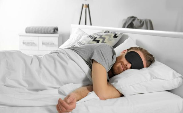 Giữ thói quen này vào ban đêm chính là góp phần 'tăng tốc' gây ung thư và đột tử, hãy loại bỏ nó càng sớm càng tốt - Ảnh 3