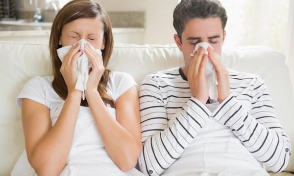Với nguồn vitamin C dồi dào, chanh là thực phẩm rất tốt để phòng chống cảm cúm, cảm lạnh mùa đông