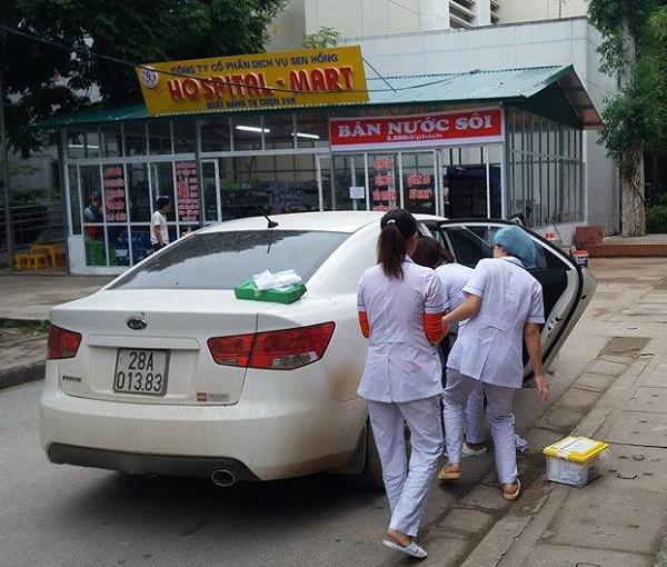 Mẹ bầu đẻ rơi trên taxi, con bị ngạt tím tái và điều kỳ diệu đã đến khi đi 10km - Ảnh 1