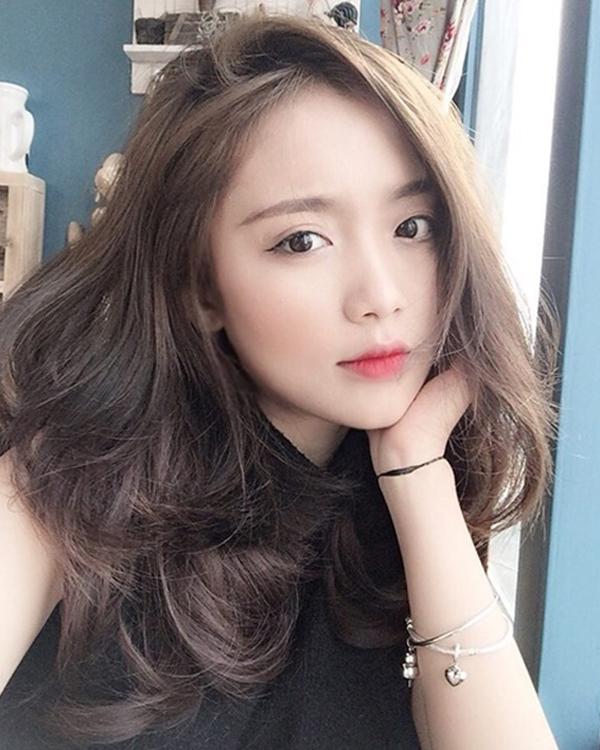 6 kiểu rẽ ngôi tóc giúp bạn 'nâng cấp' hình ảnh không tốn nhiều công sức - Ảnh 2