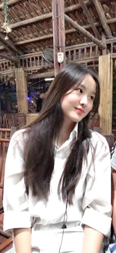Con gái của 'Hoa khôi bóng chuyền' Kim Huệ: Xinh xắn chẳng thua kém mẹ, đã vậy còn học cực giỏi và cá tính như này - Ảnh 2