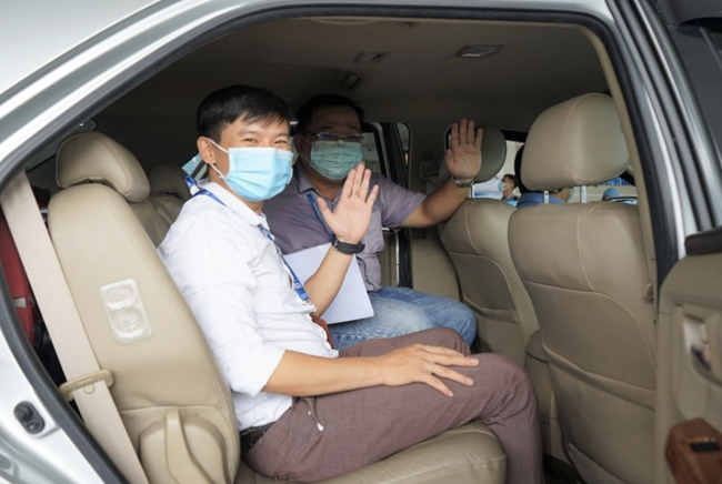 """Xúc động lời nữ bác sĩ nhắn chồng ra Đà Nẵng chống dịch COVID-19: """"Hai con em sẽ lo, mong anh 2 chữ bình an trở về' - Ảnh 6"""