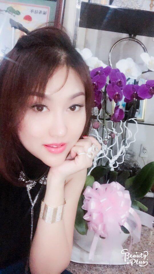 Phi Thanh Vân khoe món quà giá trị từ tình cũ đại gia nhân ngày 8.3 - Ảnh 2