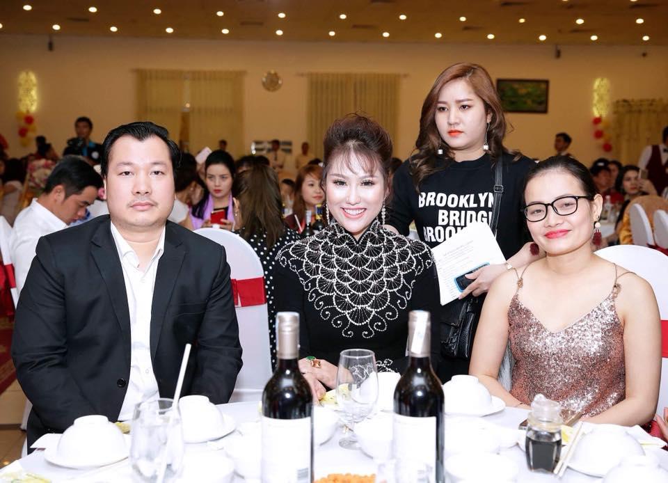Phi Thanh Vân khoe món quà giá trị từ tình cũ đại gia nhân ngày 8.3 - Ảnh 7