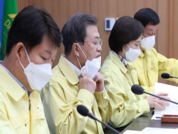 Báo Hàn: Thư ký Phó thị trưởng Daegu dương tính với corona, từng tiếp xúc với những người đón ông Moon Jae-in