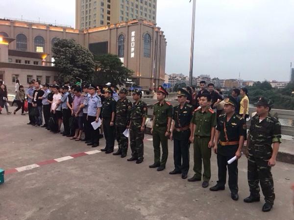 Bắt giữ 5 đối tượng truy nã người Trung Quốc lẩn trốn ở Móng Cái