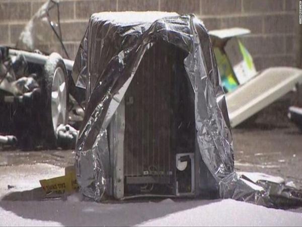 Bị máy điều hòa không khí rơi trúng, bé gái 2 tuổi chết thương tâm trên xe nôi