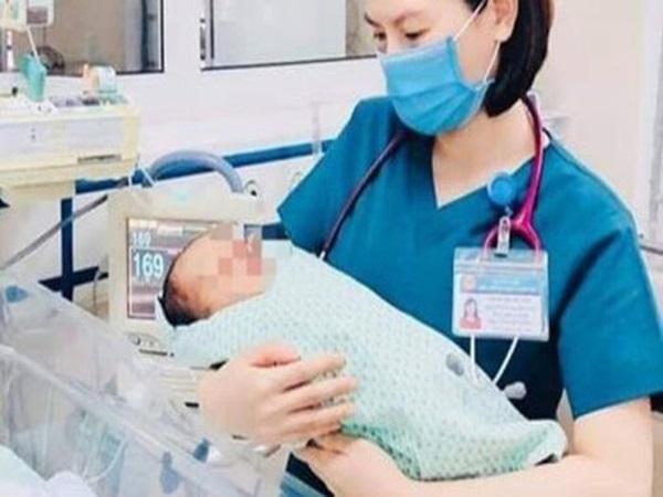 Bé trai sơ sinh bị bỏ rơi dưới hố gas tử vong không có người nhà đến nhận