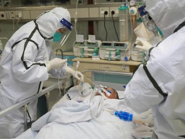 Bệnh nhân 416 tiên lượng rất nặng, khó điều trị hơn phi công người Anh