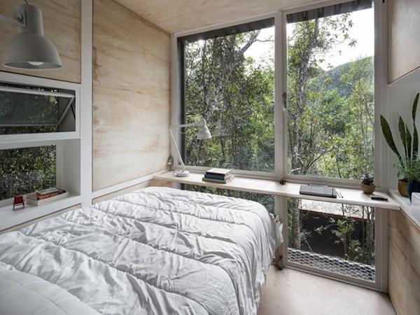 Cabin nhà nhỏ xinh ẩn náu trong rừng đẹp lạ như bước ra từ cổ tích