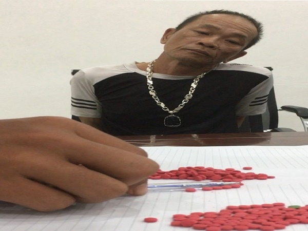Cặp vợ chồng giả khách du lịch, ôm hơn 1.000 viên ma túy đổ bộ Đà Nẵng