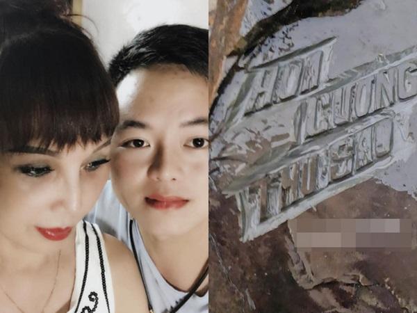 'Cô dâu 62 tuổi' đăng ảnh chụp bia đá khắc tên hai vợ chồng khoe hạnh phúc gây tranh cãi