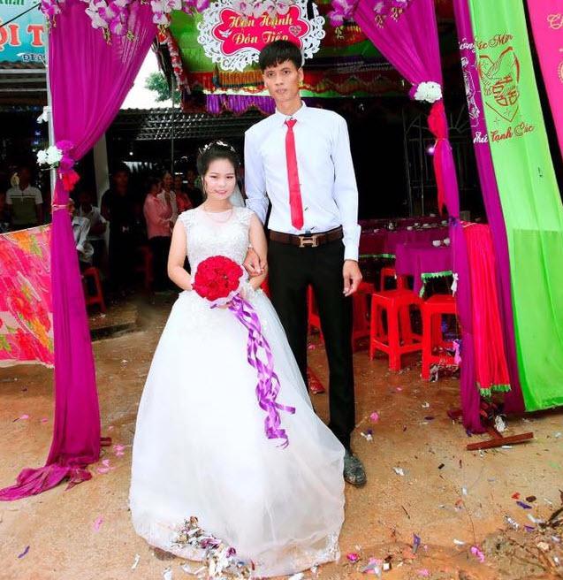 Cô dâu cao 1m65, xinh như hot girl lấy chồng cao 80cm: Kẻ dè bỉu tham tiền, người ngưỡng mộ tình yêu đẹp - Ảnh 2