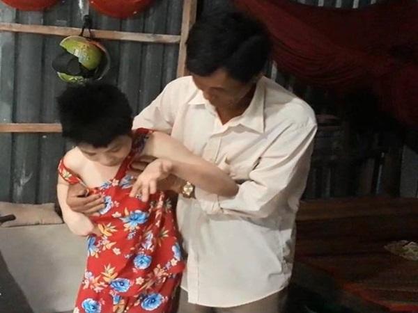Nghẹn lòng cảnh cô gái bại não chỉ còn da bọc xương sau nhiều lần phá thai vì bị hàng xóm hại đời