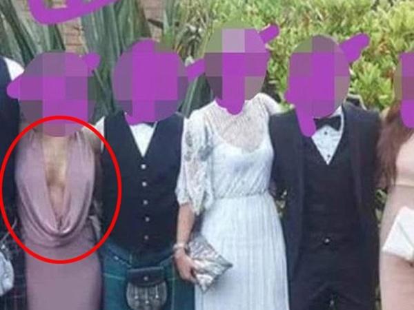 Dự đám cưới, cô gái mặc váy xẻ tận rốn nhưng không áo lót, phô trọn vòng 1 khiến cánh mày râu 'nóng mắt'