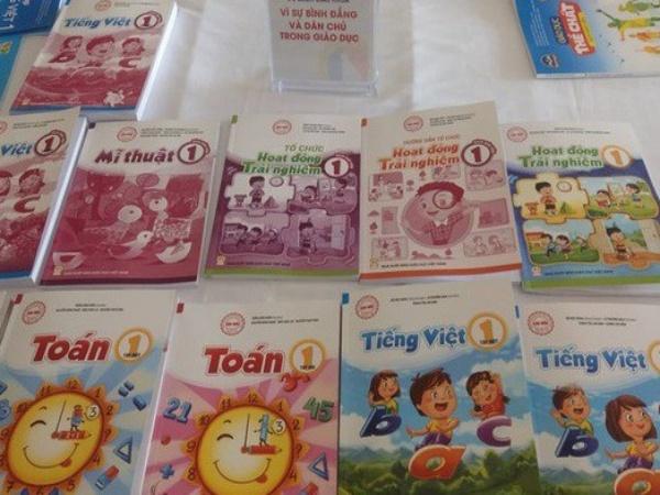 Công bố 32 cuốn sách giáo khoa lớp 1 mới