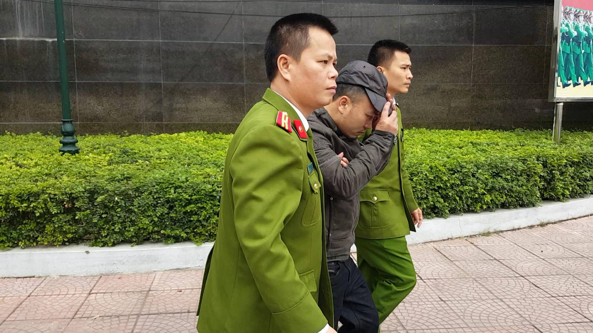Cướp ngân hàng ở Bắc Giang: Bất ngờ với chiêu đánh lạc hướng của nghi phạm - Ảnh 1