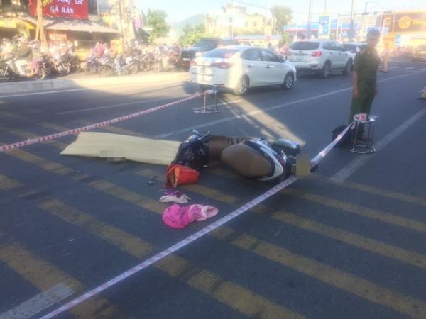 Đà Nẵng: Xót cảnh người phụ nữ tử vong thương tâm dưới bánh xe ben trên đường đi làm