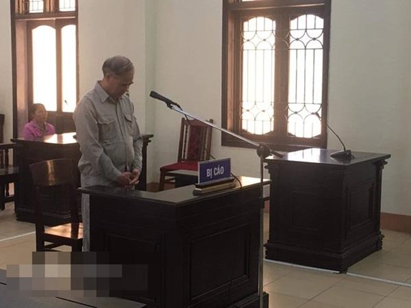 Cựu hiệu trưởng dâm ô nhiều nam sinh ở Phú Thọ lĩnh 8 năm tù giam