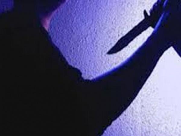 Nghi vợ ngoại tình, người đàn ông dùng dao đâm vợ tử vong