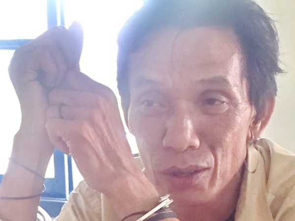 Gã cụt dùng nạng gỗ đánh chết bé gái vì va chạm giao thông