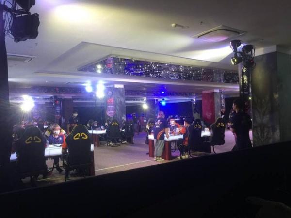 Gần 100 game thủ tụ tập thi đấu ở Cocobay Đà Nẵng trong đợt cao điểm phòng, chống dịch Covid-19
