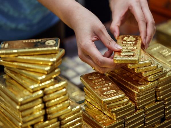 Giá vàng bán ra lên đến 49,2 triệu đồng/lượng, cao nhất trong vòng 9 năm trở lại đây