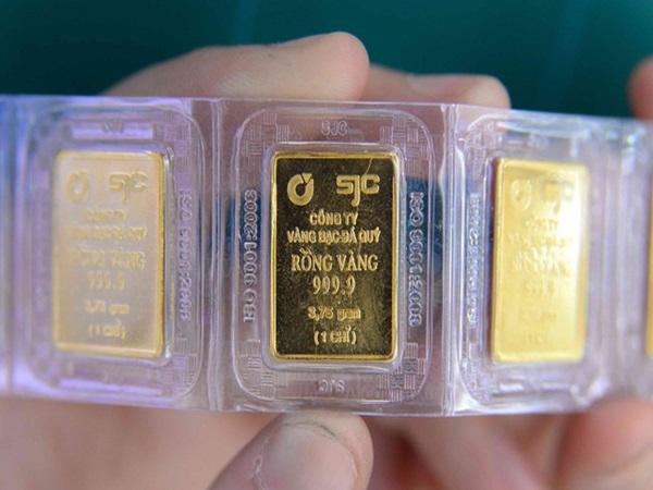 Giá vàng trong nước chính thức vượt mốc 55 triệu đồng/lượng