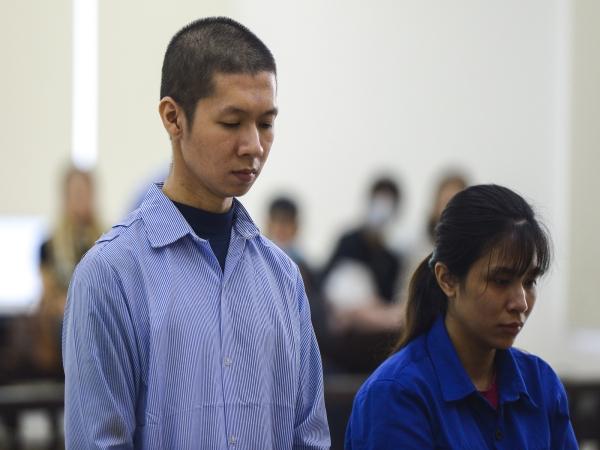 Giật mình lời khai của mẹ đẻ kể về việc chồng bạo hành con gái 3 tuổi tử vong