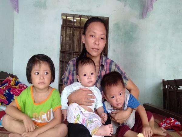 Chồng mất, góa phụ một nách 3 đứa con thơ bất lực cầu cứu cộng đồng giúp con trai bị hoại tử ruột chữa trị