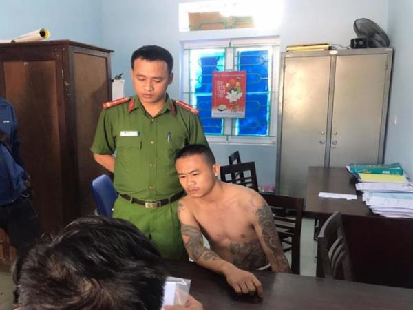 Hà Tĩnh: Bé trai 6 tuổi bị gã thanh niên 9x dùng cây đánh ngất xỉu phải nhập viện cấp cứu