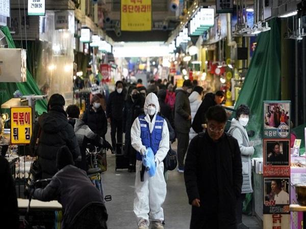 Hàn Quốc: 32 người chết, số người nhiễm virus corona vượt 5300, tăng 516 trường hợp trong vòng 24h qua