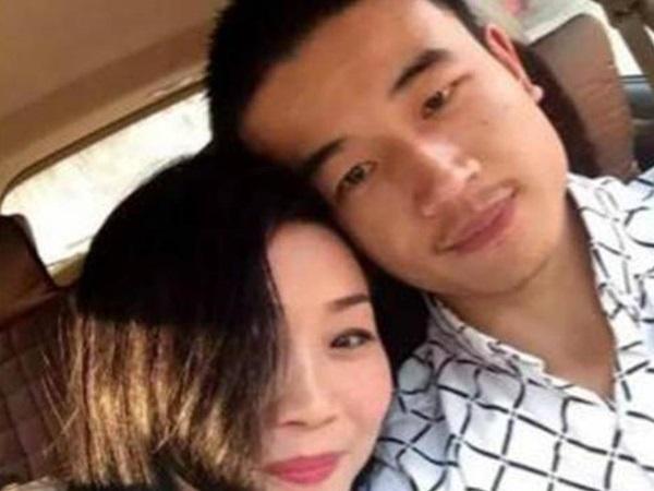 Sau 4 năm, cuộc sống của cặp đôi vợ 46, chồng 23 kết hôn sau 2 tháng yêu bất chấp gia đình ngăn cấm giờ ra sao?