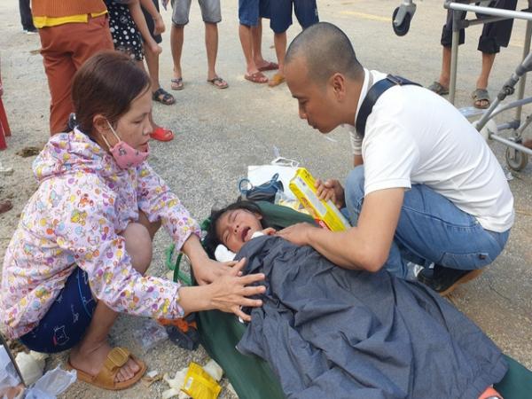 Hình ảnh những nạn nhân được cứu trong vụ sạt lở núi kinh hoàng ở Quảng Nam