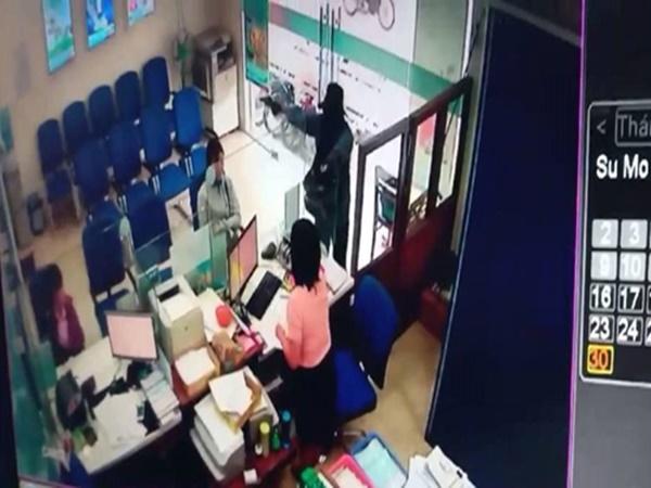Truy bắt hung thủ cướp tiền tại ngân hàng Vietinbank ở Tiền Giang