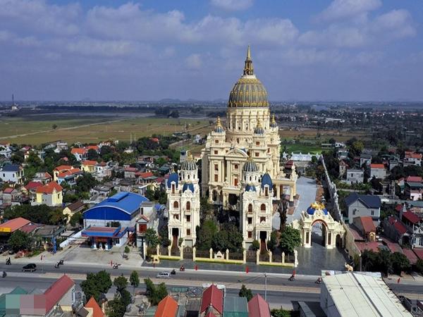 Lâu đài như trong truyện cổ tích của đại gia Ninh Bình