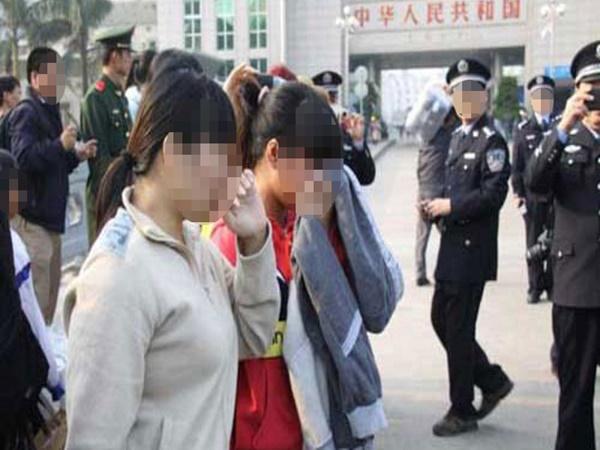 """Lừa bán người sang Trung Quốc, """"nữ quái"""" miền Tây bị bắt giam"""