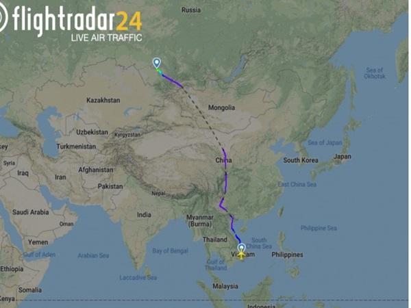 Máy bay khởi hành từ Cam Ranh cháy càng đáp, 49 khách bị thương