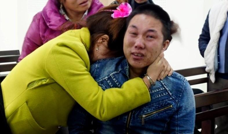 Nam thanh niên 9X bị tòa tuyên án tử hình, người thân ôm khóc nức nở