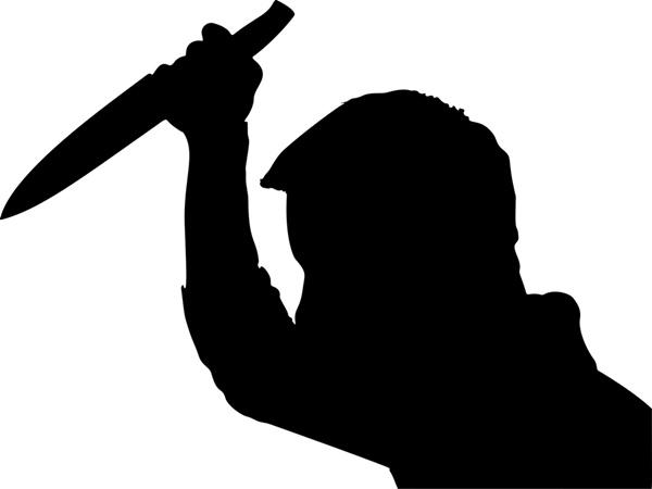 Nam thanh niên dùng dao đâm nữ nhân viên quán cà phê