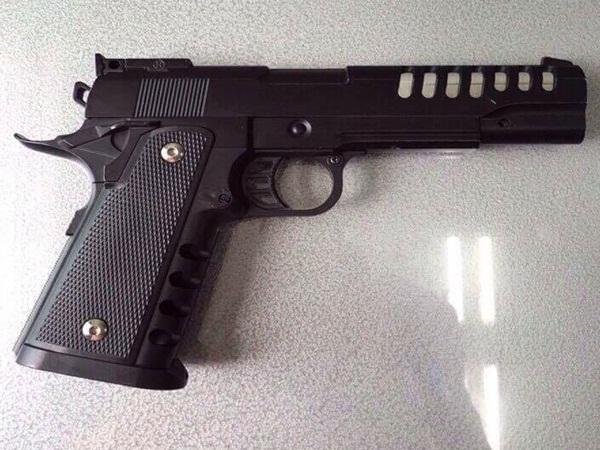 TP.HCM: Người đàn ông bị uy hiếp cướp xe máy giữa ban ngày bằng... súng đồ chơi