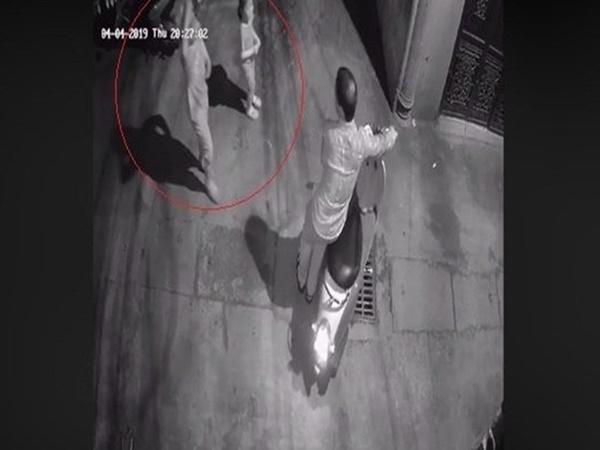 Tạm giữ hình sự người đàn ông nghi sàm sỡ 2 bé gái trong ngõ tối ở Hà Nội
