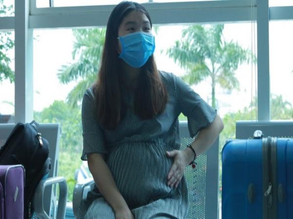 Niềm hạnh phúc trong ngày xuất viện của thai phụ 39 tuần trở về từ Vũ Hán